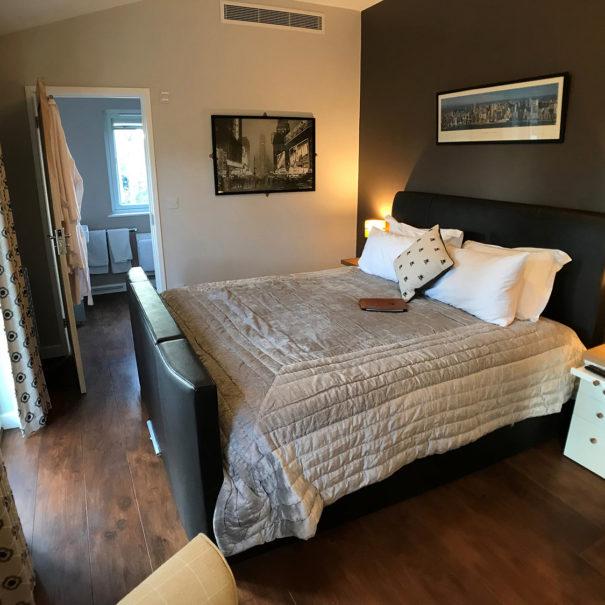 Ashdon bedroom at Piglets Boutique B&B