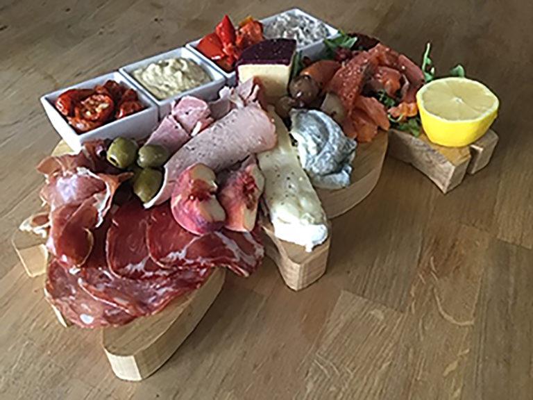 Deli platter | Deli board | Gourmet deli board | Evening meals at B&B | B&B evening meals | Boutique deli boards at B&B